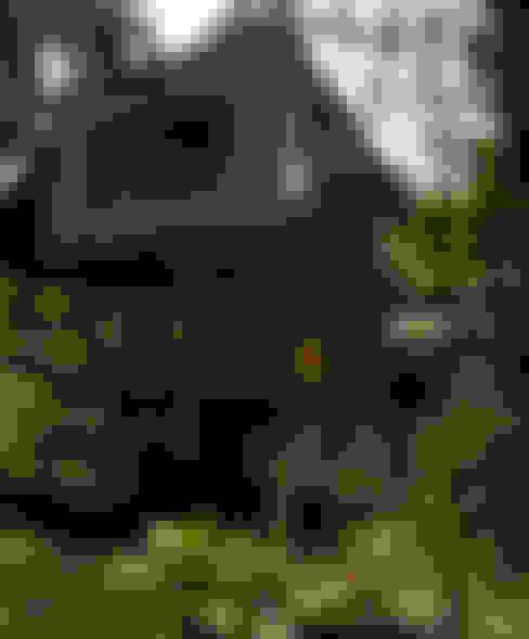 Sertão da Barra do Una   casa: Casas  por ARQdonini Arquitetos Associados