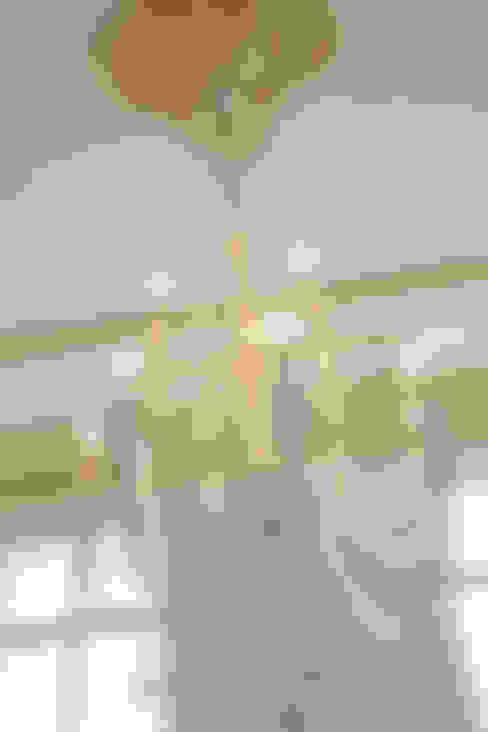 Salas/Recibidores de estilo  por wohnhelden Home Staging