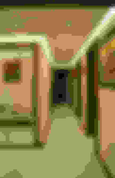 Коридор и прихожая в . Автор – NM Mimarlık Danışmanlık İnşaat Turizm San. ve Dış Tic. Ltd. Şti.