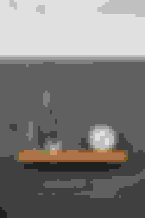 FIGR1.2 Surface 30:  Slaapkamer door FIGR1