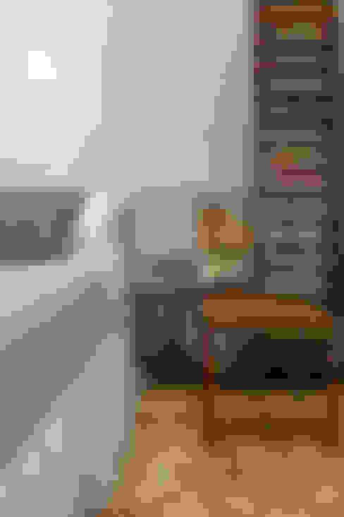 62m2 de muito conforto: Quarto  por Nara Cunha Arquitetura e Interiores