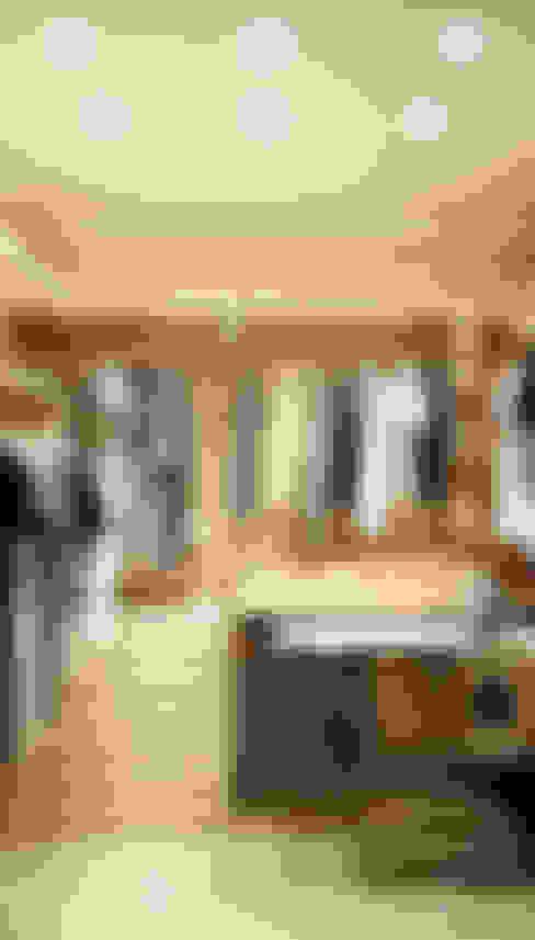 غرفة الملابس تنفيذ Marina Sarkisyan