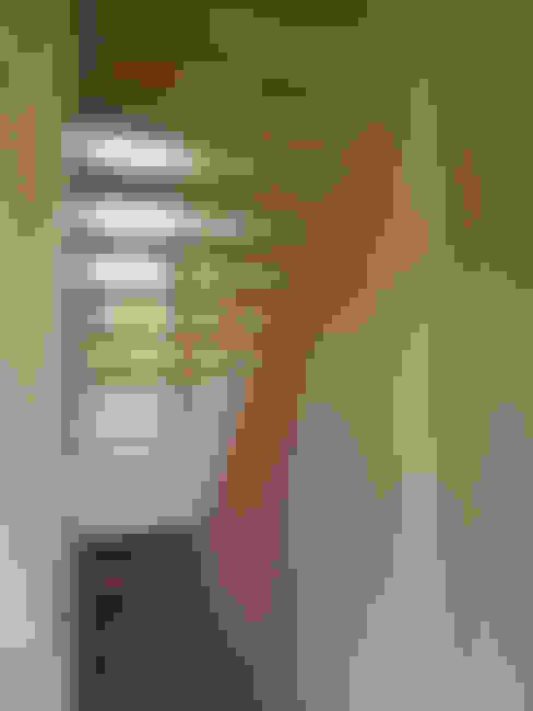 Corridor & hallway by Thomas Kemme Architecten