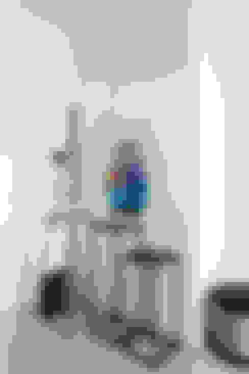 Квартира с северным акцентом: Коридор и прихожая в . Автор – LPetresku