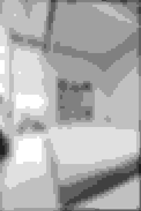 Dormitorios de estilo  de coil松村一輝建設計事務所