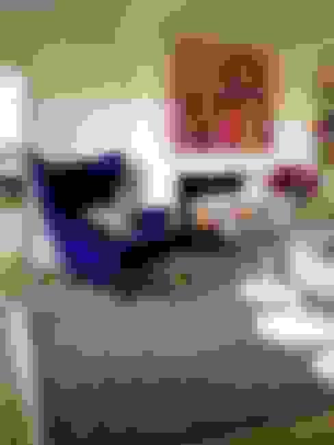 Riad Rug:  Living room by Luku Home