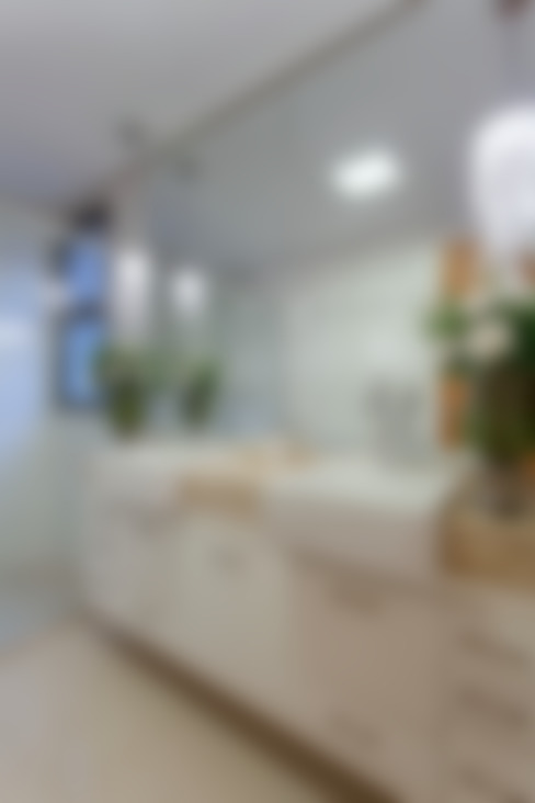 Apartamento Ribeirão Preto: Banheiros  por Designer de Interiores e Paisagista Iara Kílaris
