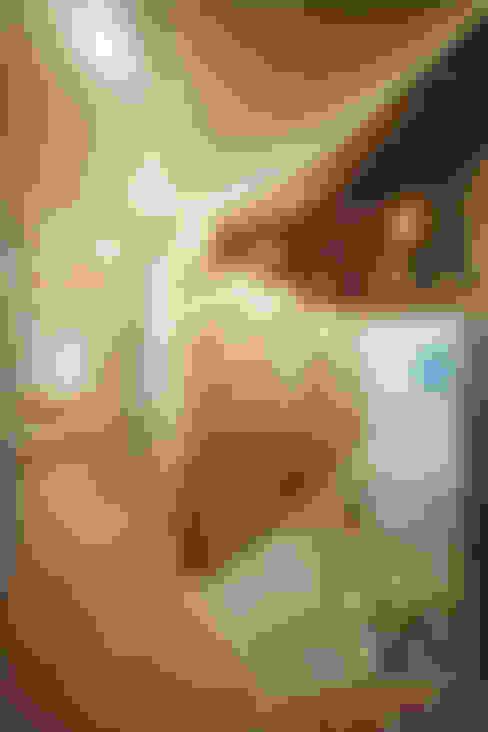 Футуристическая квартира в Москве: Коридор и прихожая в . Автор – Cтудия дизайна Станислава Орехова