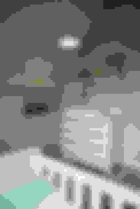 Babykamer:  Kinderkamer door Hemels Wonen interieuradvies