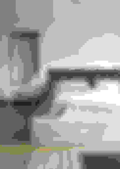 Dormitorios de estilo  por DrewnianaŚciana