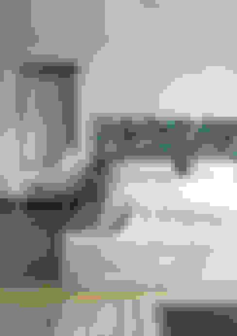 Zagłówek: styl , w kategorii Sypialnia zaprojektowany przez DrewnianaŚciana