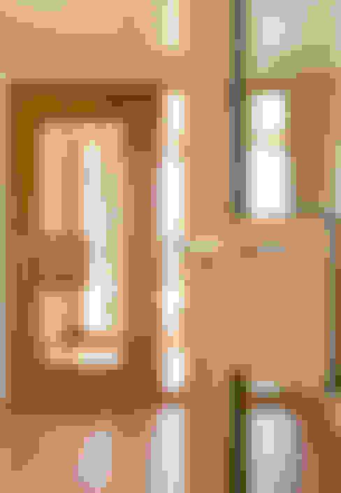 Окна и двери в . Автор – Urban Front