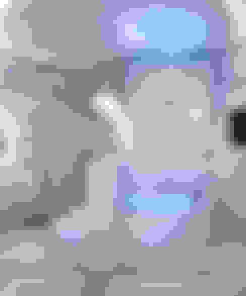 квартира на Аптекарской набережной: Ванные комнаты в . Автор – EJ Studio