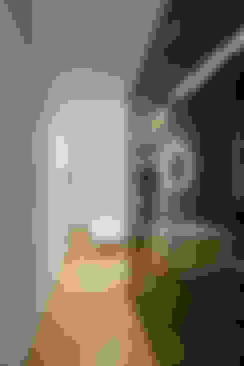 Pasillos y vestíbulos de estilo  de Joao Morgado - Architectural Photography