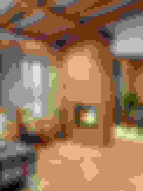 пос. Вартемяги: Гостиная в . Автор – HOMEFORM Студия интерьеров