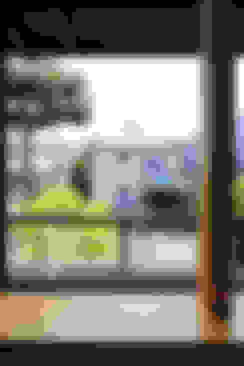 早田雄次郎建築設計事務所/Yujiro Hayata Architect & Associates의  창문 & 문