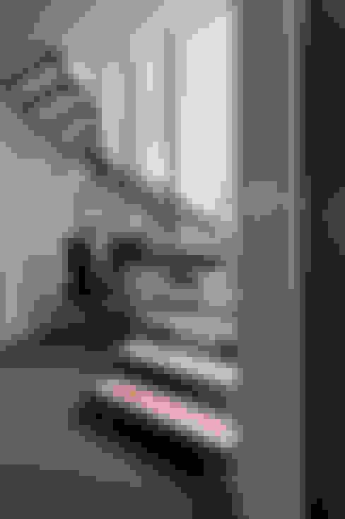Gang, hal & trappenhuis door agence MGA architecte DPLG