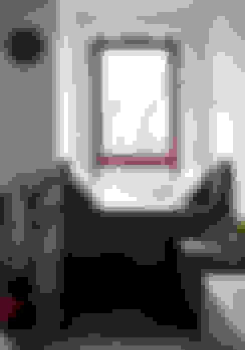 غرفة المعيشة تنفيذ JJJASKOLA ARCHITEKCI