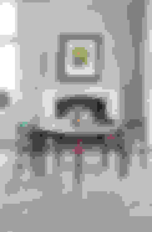 غرفة الملتيميديا تنفيذ Rupert Bevan Ltd