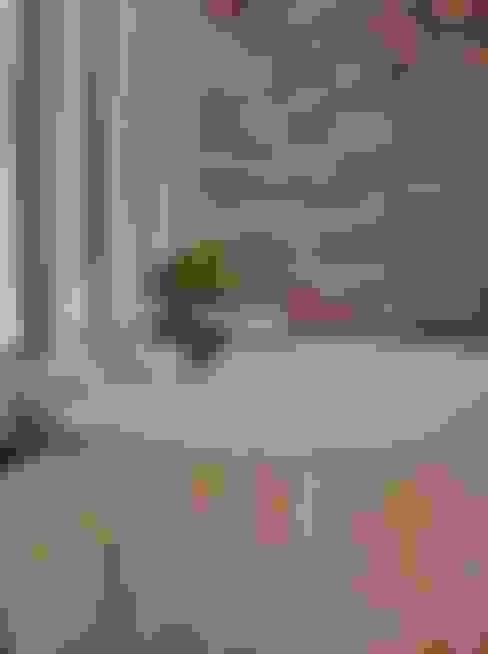 CASA EM SÃO PAULO: Banheiros  por Kika Prata Arquitetura e Interiores.