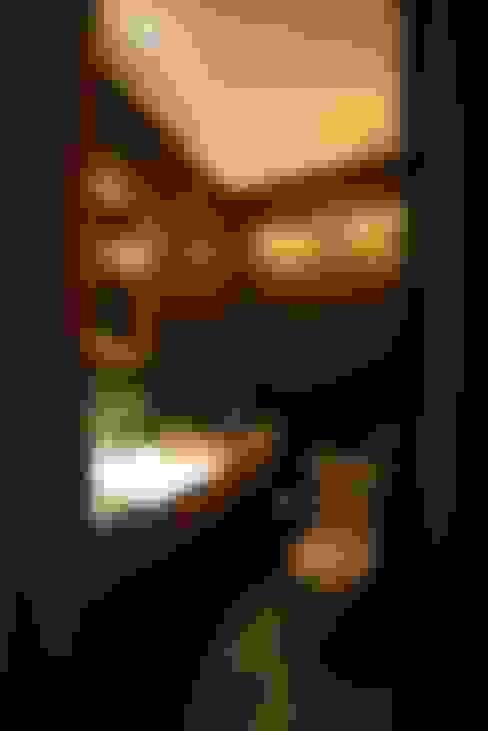Baños de estilo  por Tellini Vontobel Arquitetura