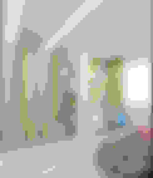 Cuartos infantiles de estilo  por Студия дизайна интерьеров 'Взгляд'