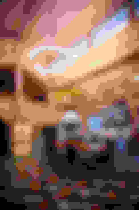 Дом в Пушкино: Гостиная в . Автор – Роял Вуд