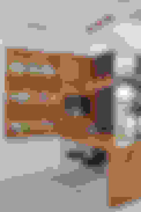 Apartamento na Barra da Tijuca: Cozinhas  por Ana Adriano Design de Interiores