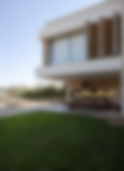 Residência Quinta da Baronesa: Terraços  por Débora Aguiar