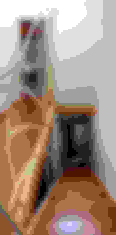 玄關、走廊與階梯 by Studio Architettura Arch. Francesca Tronci