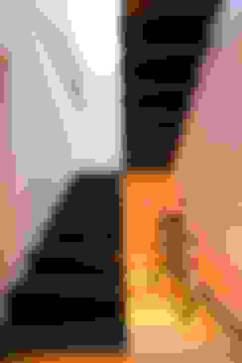 Corridor, hallway & stairs  by SOLER-MORATO ARQUITECTES SLP