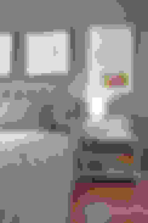 Camera da letto in stile  di Nicolas Pierry: Diseño y Decoración de Interiores