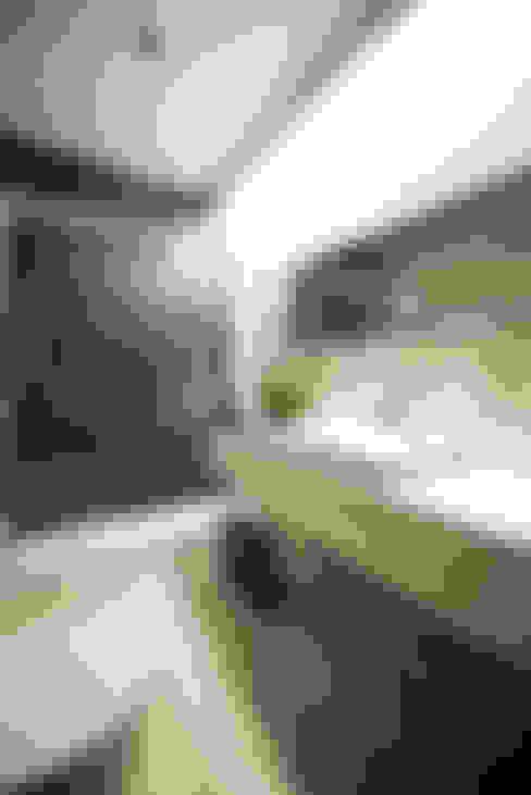 Banheiros  por PAULA NOVAIS ARQUITECTOS E DESIGN