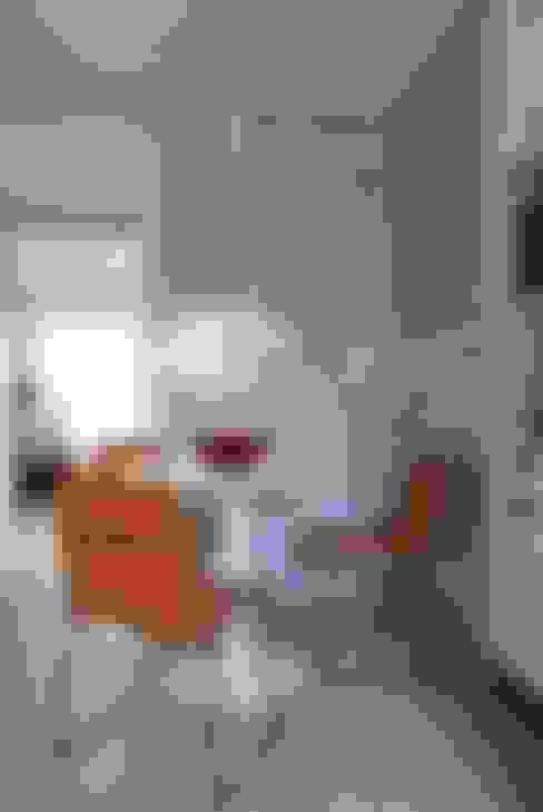Apartamento Brooklin: Cozinhas  por Gisele Emery Arquitetura