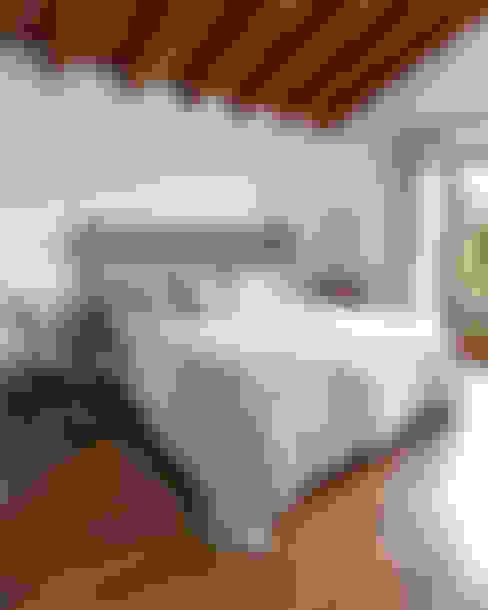Dormitorios de estilo  por Deu i Deu