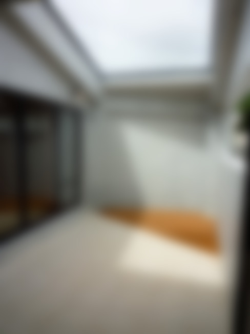 石壁の家: プラソ建築設計事務所が手掛けたテラス・ベランダです。