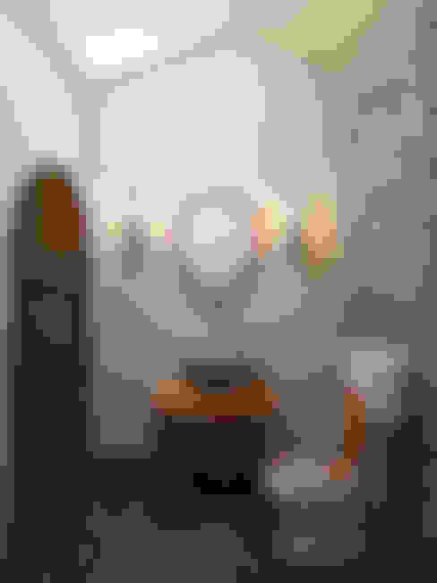 Беседка в поселке Ропша: Ванные комнаты в . Автор – Студия дизайна интерьера Маши Марченко