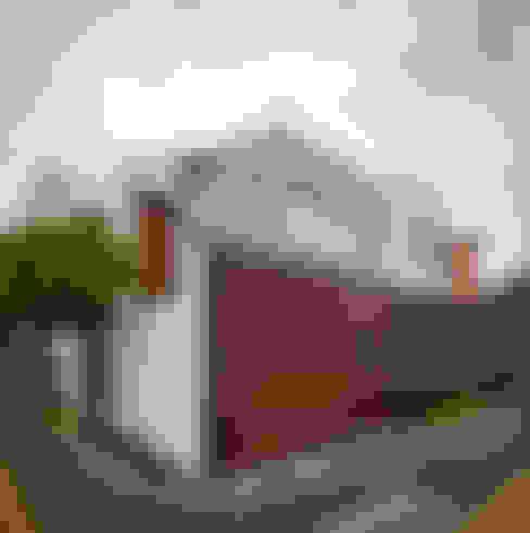 Casas de estilo  de MICHEAS ARQUITECTOS