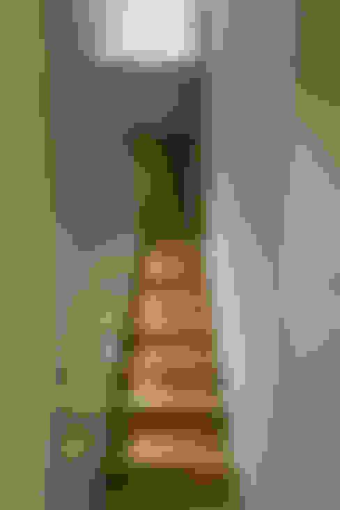 Corredores e halls de entrada  por Viewport Studio