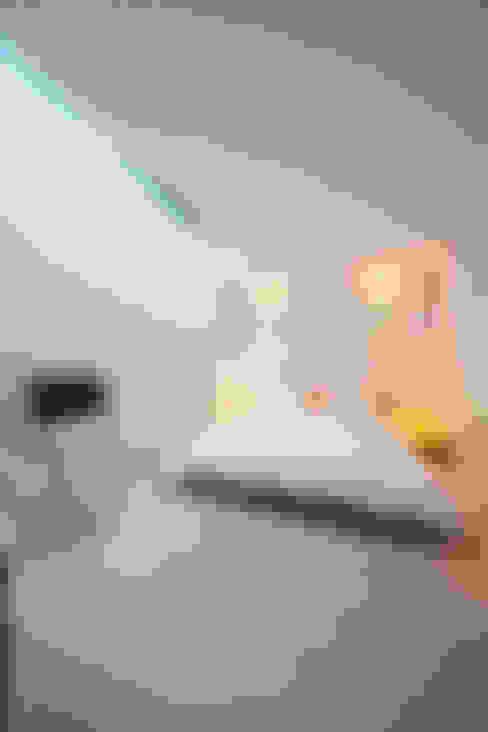 Cuartos de estilo  por Gullaksen Architects