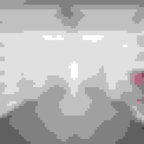 Garagens e edículas  por Atelier do Corvo