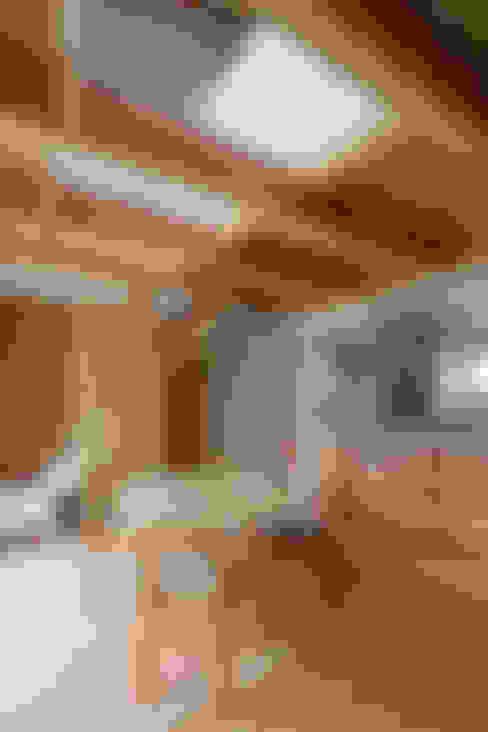 Comedores de estilo  por 芦田成人建築設計事務所