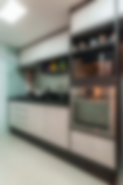 Condomínio Portal de Barcelos : Cozinhas  por Lo. interiores