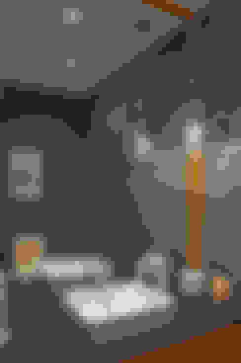 Salle de bains de style  par Concepto Taller de Arquitectura