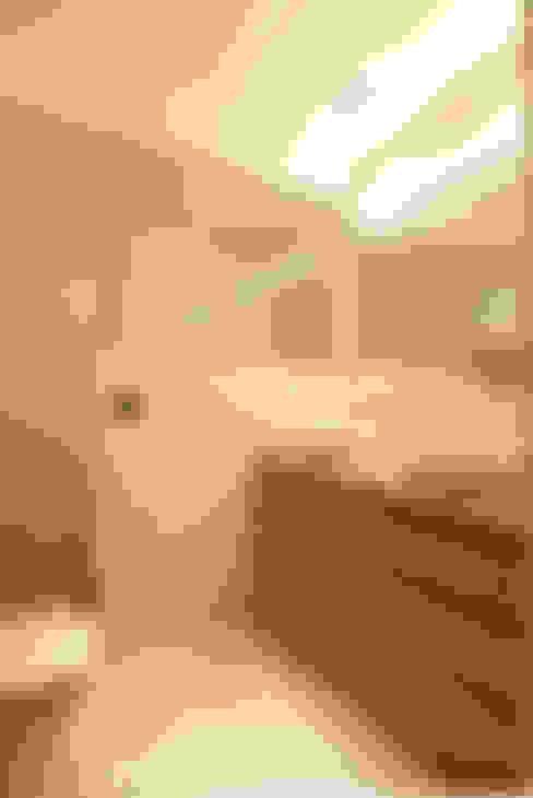 Baños de estilo  por Sube Susaeta Interiorismo