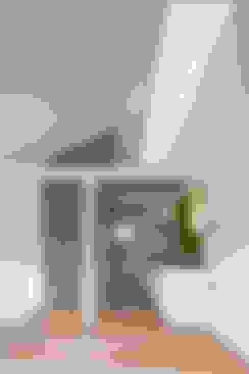 Salas de estar  por M設計工房