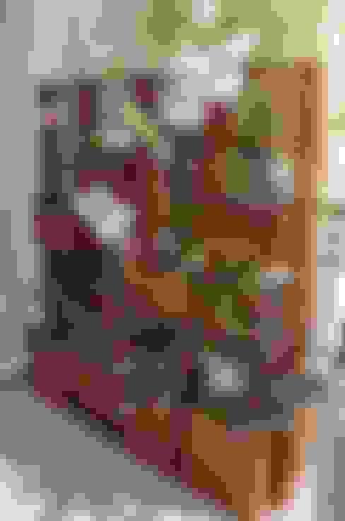 Terrazas de estilo  por A Varanda Floricultura e Paisagismo