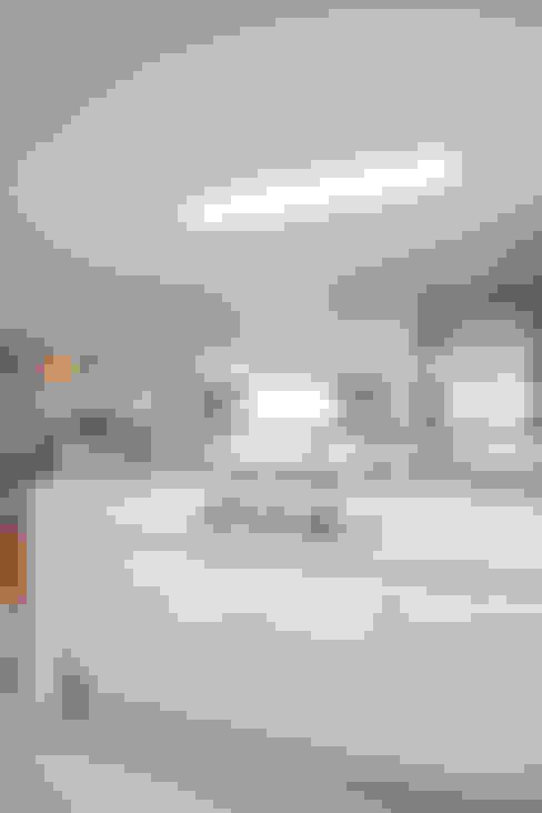 경기도 과천시 원문동 래미안슈르 43평형: MID 먹줄의  주방