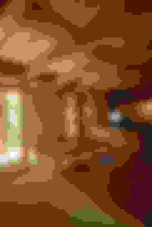 福釜の家: 神谷建築スタジオが手掛けたダイニングです。