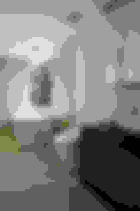 浴室 by atelier137 ARCHITECTURAL DESIGN OFFICE